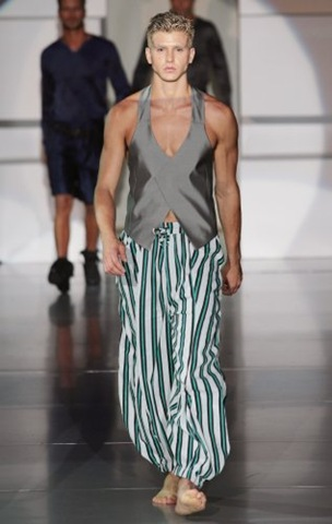 milan-fashion-week-09-emporio-armani-002-nc