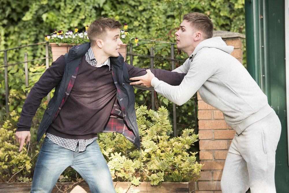 STE TRIES TO APOLOGISE TO HARRY