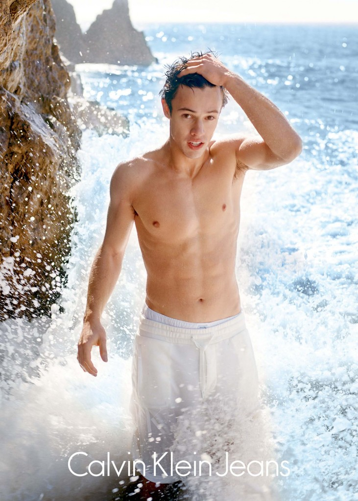 01-cameron-dallas