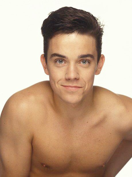 robbie-williams-tumblr_mqen75v7iy1r4ba6to1_500