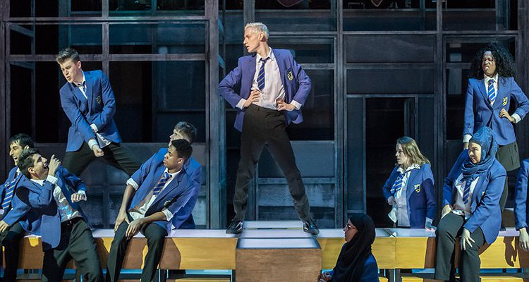 everybody's talking about jamie - photo #25